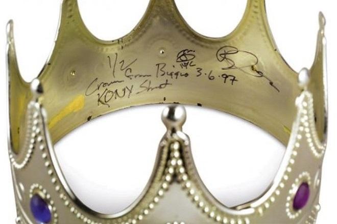 Στο σφυρί το στέμμα του Notorious B.I.G. και τα ερωτικά γράμματα του Tupac Shakur