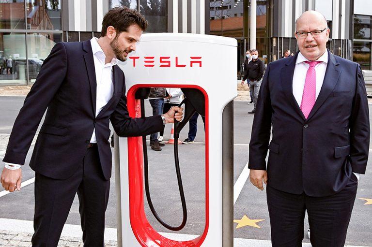 Η Tesla μόλις παρουσίασε το «Άγιο Δισκοπότηρο» των ηλεκτρικών αυτοκινήτων