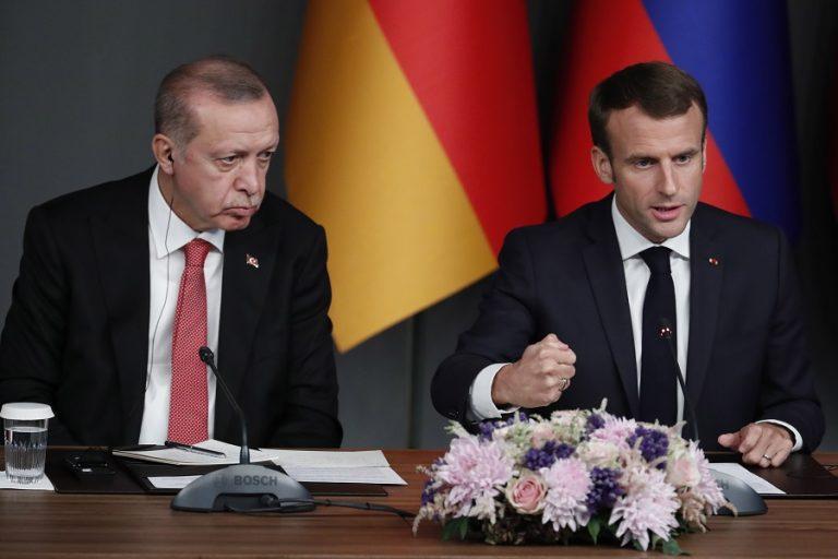 FAZ: Τα βαθύτερα αίτια της κόντρας Μακρόν- Ερντογάν
