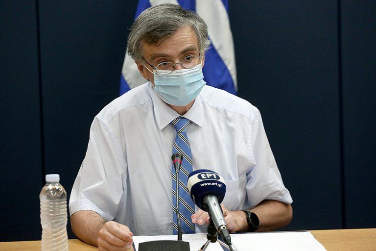 Σε δραματικούς τόνους ο Σωτήρης Τσιόδρας: Aδύνατο να ελεγχθεί η διασπορά του ιού, αλλά δεν χάνουμε την ελπίδα μας