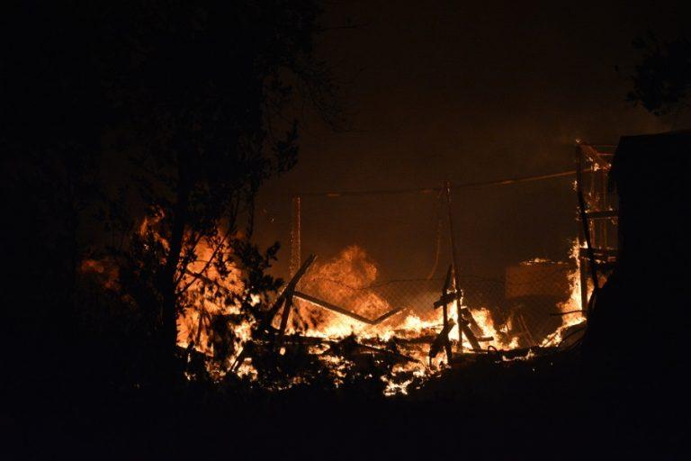 Φωτιά στη Μύκονο: Σε εξέλιξη επιχείρηση της πυροσβεστικής