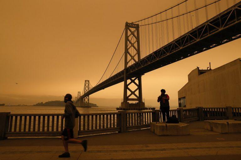 Βίντεο: Σκηνικό Αποκάλυψης στο Σαν Φρανσίσκο με την ατμόσφαιρα που επικρατεί λόγω των πυρκαγιών