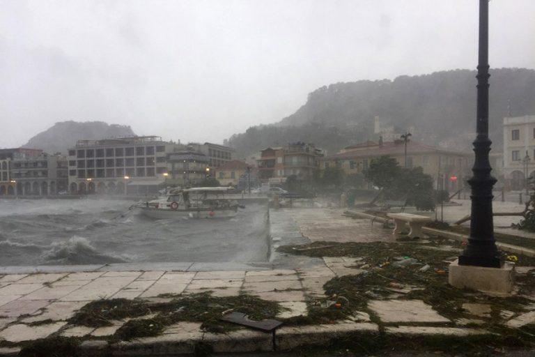 Συνεχίζονται οι βροχές και την Τρίτη- Σε χαμηλά για την εποχή επίπεδα η θερμοκρασία