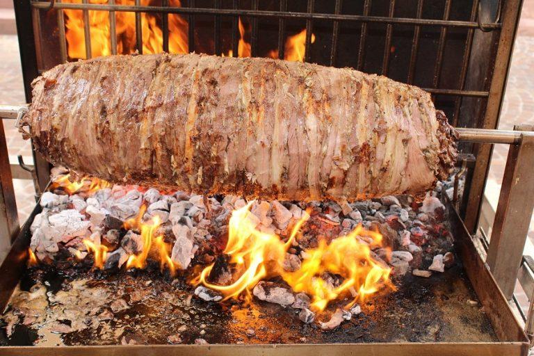 Δέκα ελληνικά φαγητά που φαίνονται πολύ περίεργα στους ξένους