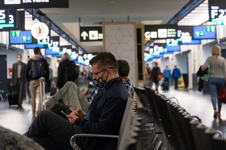 Νέα έρευνα: Πολύ χαμηλός ο κίνδυνος έκθεσης στον κορωνοϊό στα αεροπλάνα