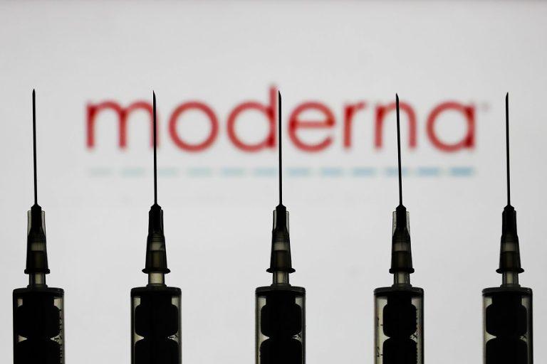 Μια ανάσα πιο κοντά στο εμβόλιο για τον κορωνοϊό είναι η Moderna