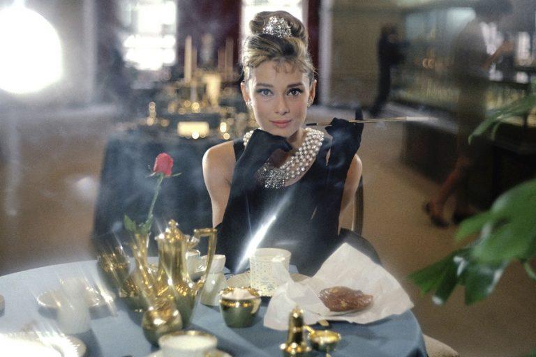 «Audrey»: Πώς ήταν η μεγάλη σταρ του Χόλυγουντ πίσω από τα φώτα της δημοσιότητας
