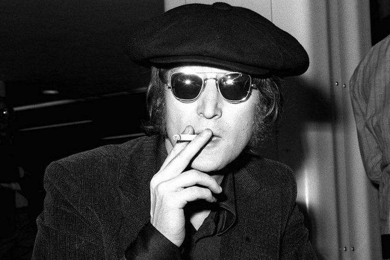 «Στο σφυρί» βγαίνει το άλμπουμ που υπέγραψε ο Λένον στον δολοφόνο του