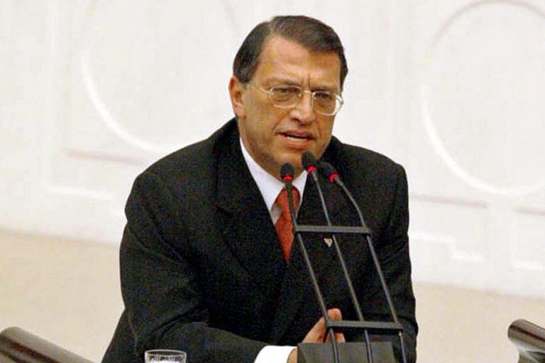 Πέθανε ο πρώην Τούρκος πρωθυπουργός, Μεσούτ Γιλμάζ