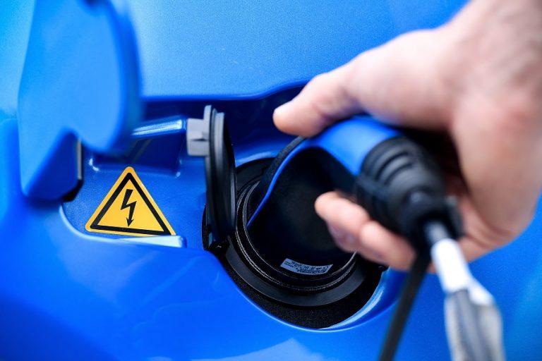 Η Κίνα δεσμεύεται να ενοποιήσει τον κατακερματισμένο κλάδο των ηλεκτρικών οχημάτων