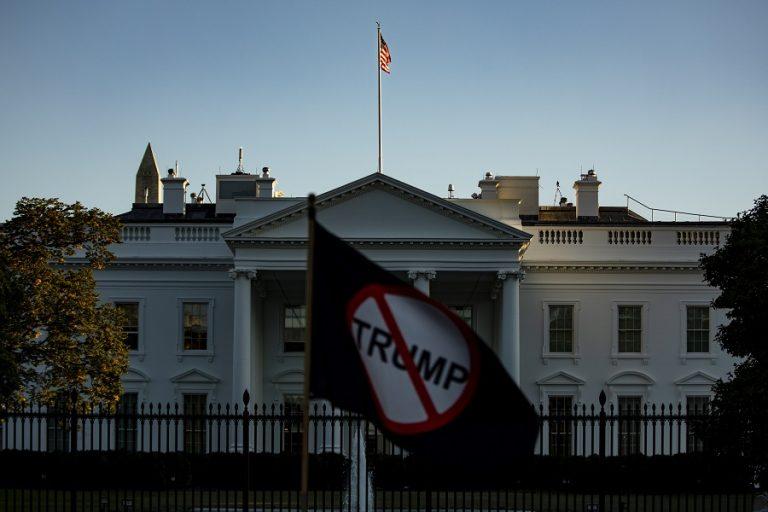 Η αμερικανική βουλή ετοιμάζεται να κάνει «έξωση» στον Τραμπ