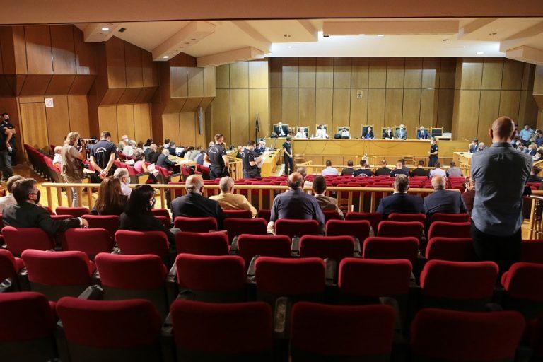 Δίκη Χρυσής Αυγής: Η πρόεδρος αμφισβήτησε την πρόταση της εισαγγελέως για τις αναστολές