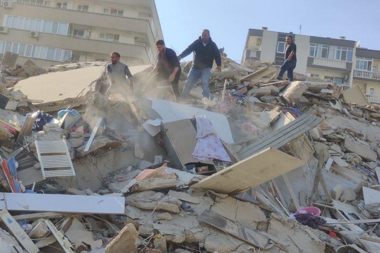 Το μήνυμα Ερντογάν μετά τον σεισμό- Μεγάλες καταστροφές στη Σμύρνη (Βίντεο)