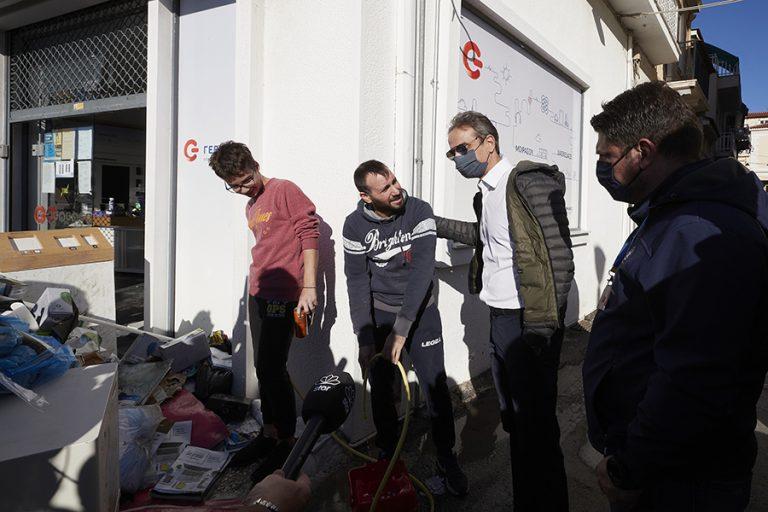 Μητσοτάκης από τη Σάμο: Όλη η Ελλάδα σήμερα θρηνεί τον χαμό των δύο παιδιών
