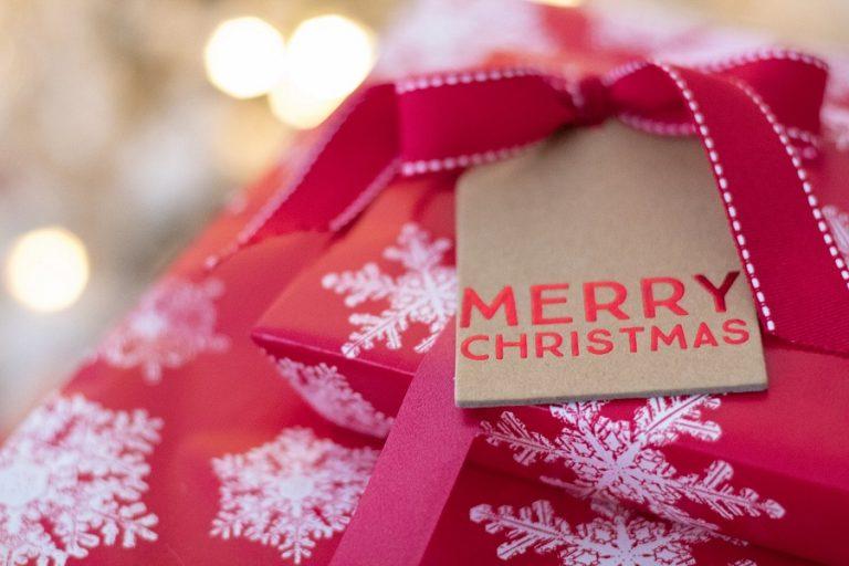 Γιατί τα μεγαλύτερα βρετανικά brands λένε «αντίο» στις ειδικές χριστουγεννιάτικες συσκευασίες