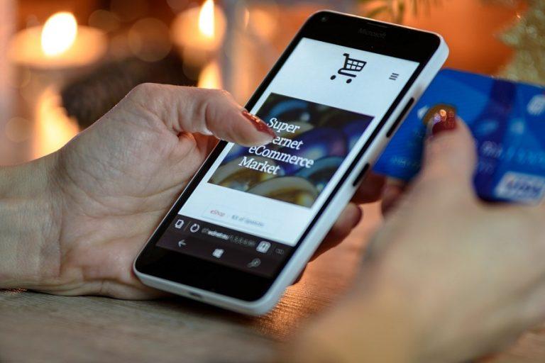 Click away, e-shop και e-commerce: Τι σημαίνουν οι όροι που μπήκαν για τα καλά στη ζωή μας