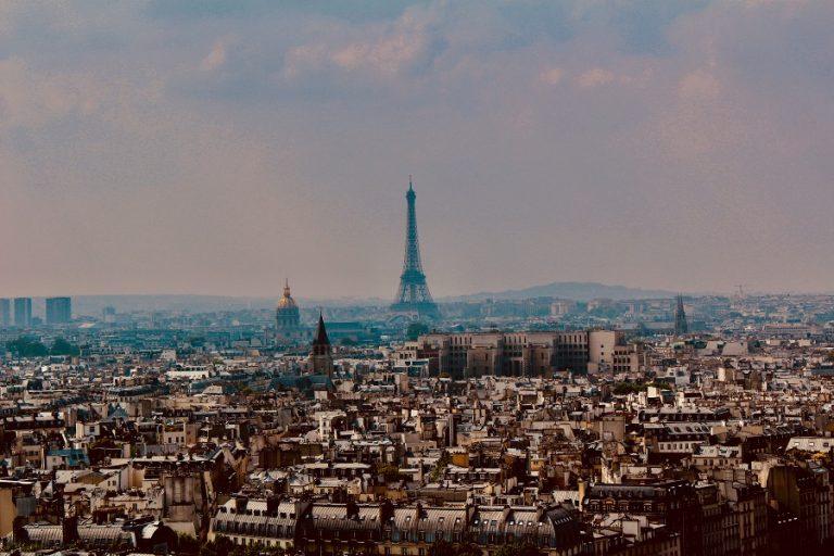 Εκτίμηση-σοκ για 100.000 κρούσματα κορωνοϊού ημερησίως στη Γαλλία