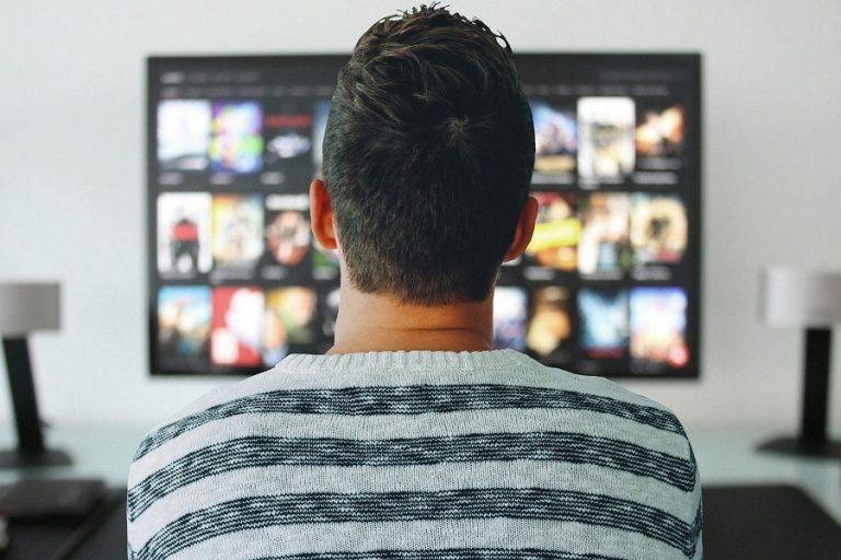 Έρευνα PwC: Η πανδημία μετασχηματίζει τον κλάδο της ψυχαγωγίας και των ΜΜΕ