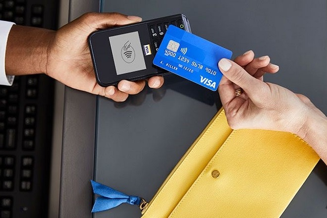 Visa: 500 εκατ. επιπλέον ανέπαφες πληρωμές, καθώς αυξάνονται τα όρια συναλλαγών χωρίς PIN στην ΕΕ