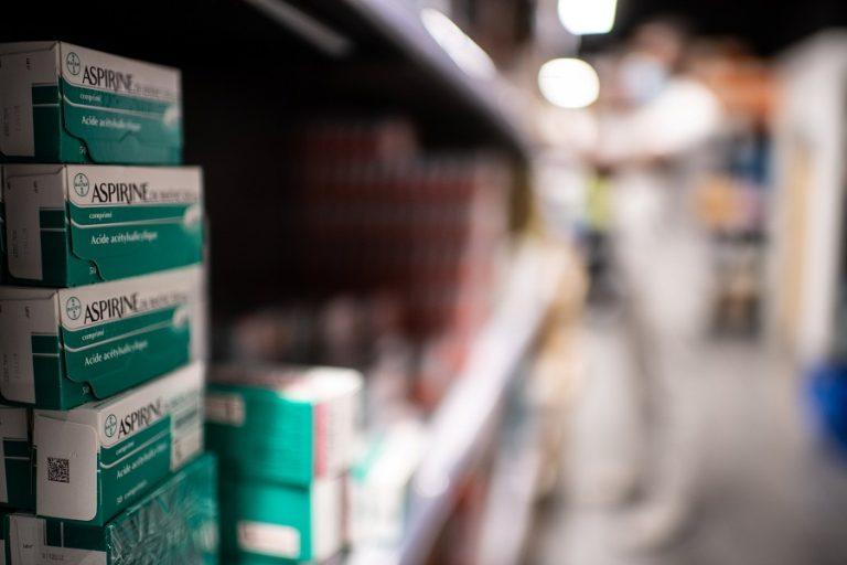Το Ηνωμένο Βασίλειο θα δοκιμάσει την ασπιρίνη ως θεραπεία για τον Covid-19