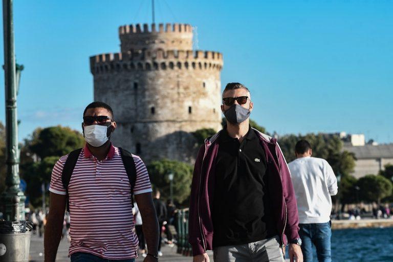 Ένα βήμα πριν βρεθεί ξανά στο «κόκκινο» η επιδημία στη Θεσσαλονίκη