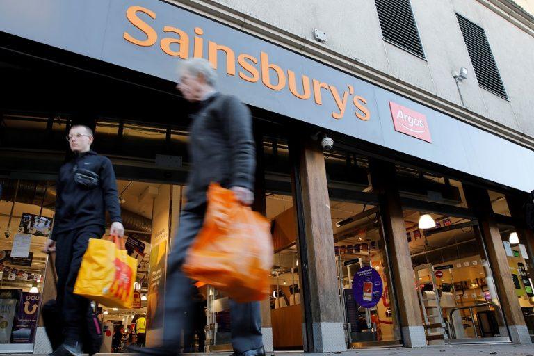 «Τσεκούρι» 3.500 θέσεων εργασίας ανακοίνωσε η δεύτερη μεγαλύτερη αλυσίδα σούπερ μάρκετ στο Ην. Βασίλειο
