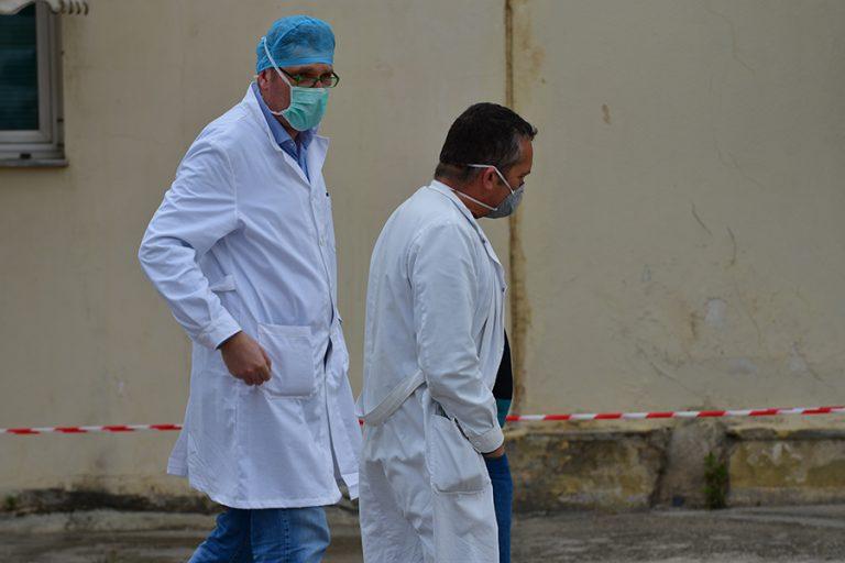Βατόπουλος: Στους πολίτες 50-60 ετών που νοσηλεύονται, μόνο το 5%-10% είναι εμβολιασμένο