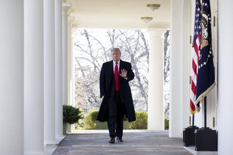 Στα…κλεφτά φεύγει ο Τραμπ από τον Λευκό Οίκο- Δεν θα παραδώσει στον Μπάιντεν