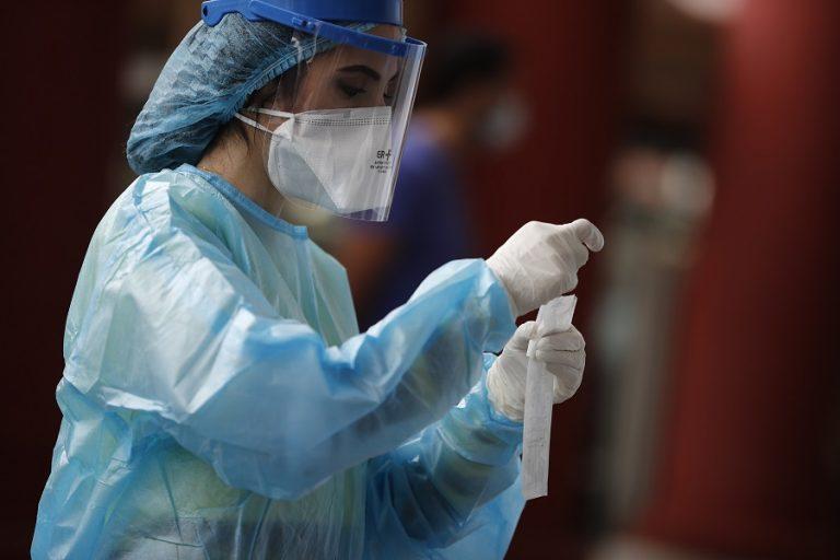 Στα 599 τα νέα κρούσματα του ιού στη χώρα – 328 οι διασωληνωμένοι