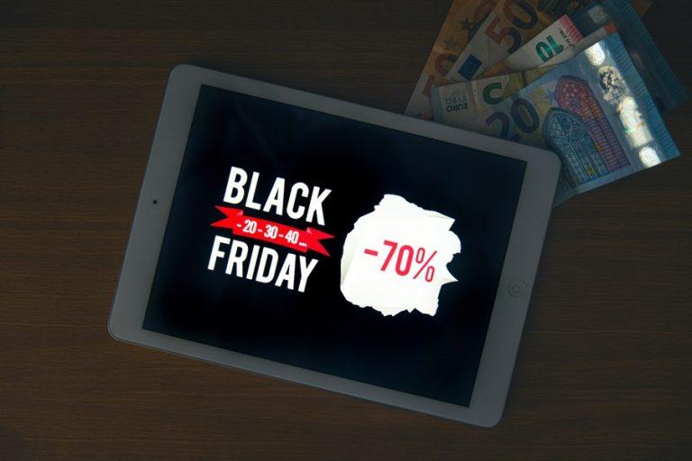 Έγινε της Black Friday: «Έκρηξη» παραγγελιών σε e-supermarketκαι online φαρμακεία