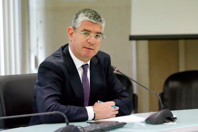 Τσακίρης: Πάνω από 140 δισ. ευρώ θα «πέσουν» στην οικονομία την επόμενη πενταετία