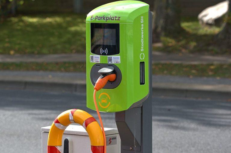 H αυτοκινητοβιομηχανία της Γερμανίας θα λάβει χρηματοδότηση δισεκατομμυρίων για να γίνει οικολογική