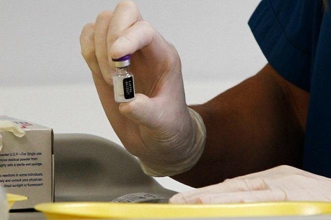 Εμβόλιο Pfizer: Πρώτη αναφορά στην Φινλανδία για περιστατικό με παρενέργεια
