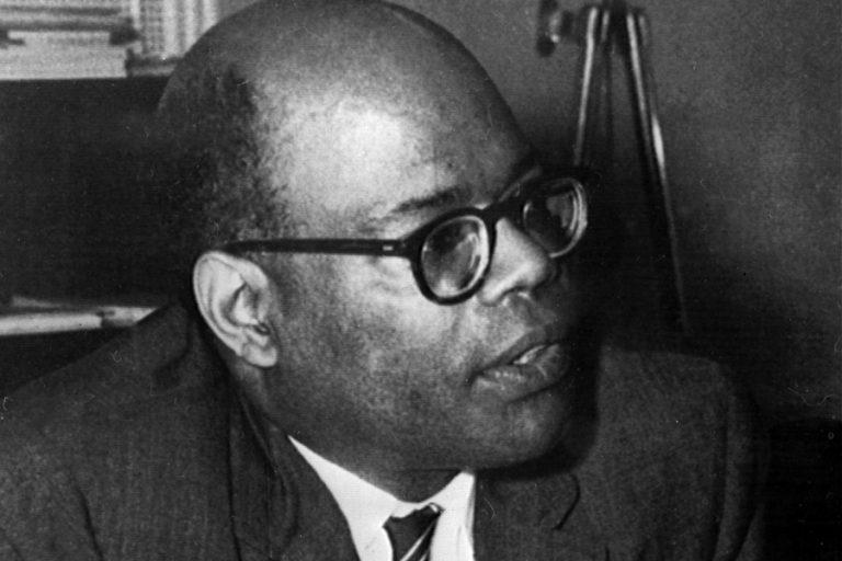 Το doodle της Google τιμά τον διάσημο οικονομολόγο Sir W. Arthur Lewis