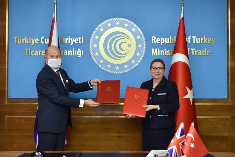 Έπεσαν οι υπογραφές στην εμπορική συμφωνία Βρετανίας- Τουρκίας