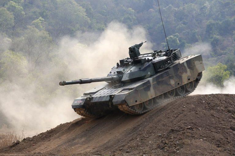 Η Κομισιόν βγάζει εκτός συζήτησης το ενδεχόμενο ενός ευρωπαϊκού στρατού