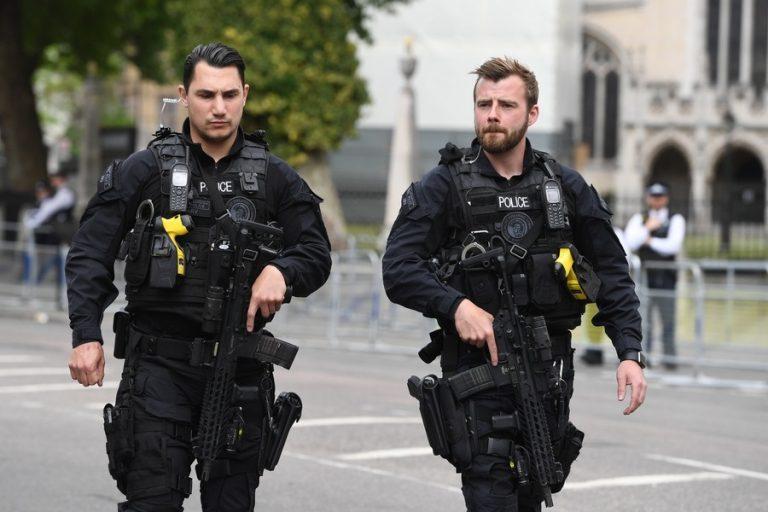 Οι χώρες που «χρυσοπληρώνουν» τους αστυνομικούς