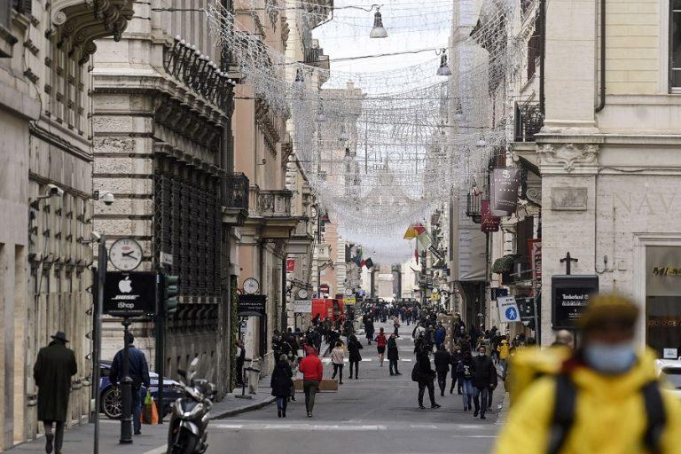 Η Ιταλία φοβάται πως η μαφία θα προσπαθήσει να κλέψει μέρος των εμβολίων