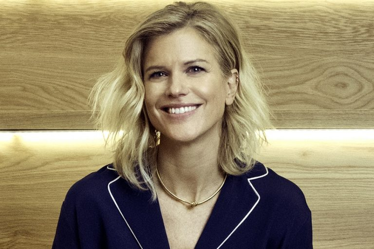 Αλλάζει επικεφαλής η Tommy Hilfiger: Η Avery Baker η νέα Πρόεδρος και Chief Brand Officer