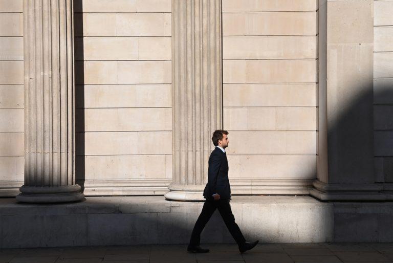 Για lockdown μέχρι το καλοκαίρι ετοιμάζεται η Βρετανία- Αλλαγή στάσης