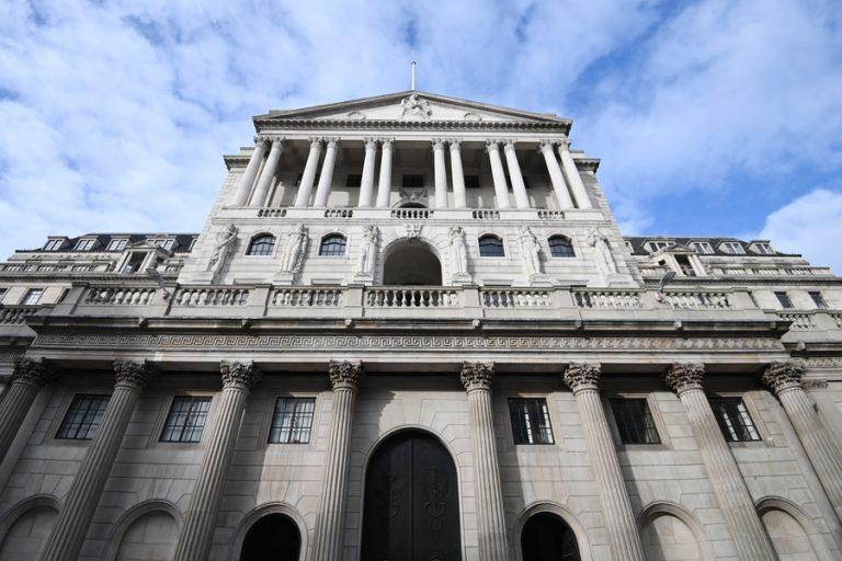 Η Τράπεζα της Αγγλίας μπαίνει στη μάχη για την κλιματική αλλαγή