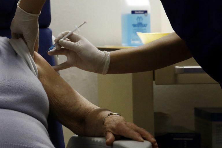 Μ. Θεοδωρίδου: Ελάχιστες και ήπιες οι παρενέργειες του εμβολίου και στην Ελλάδα