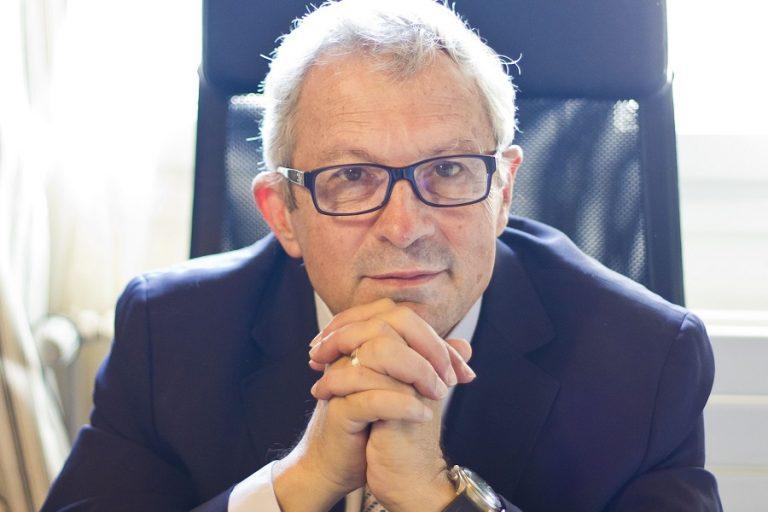 Ιωσήφ Σηφάκης: «Η παγίδα είναι να αφήσουμε τους υπολογιστές να αποφασίζουν για μας»