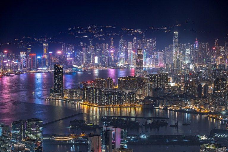 Αυτός είναι ο φουτουριστικός πύργος που θα φτιάξει το Zaha Hadid Architects στο Χονγκ Κονγκ (Φωτογραφίες)