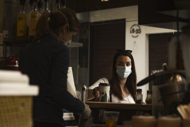 Ανατροπή: Κανονικά το take away από τα μαγαζιά εστίασης και τα Σαββατοκύριακα