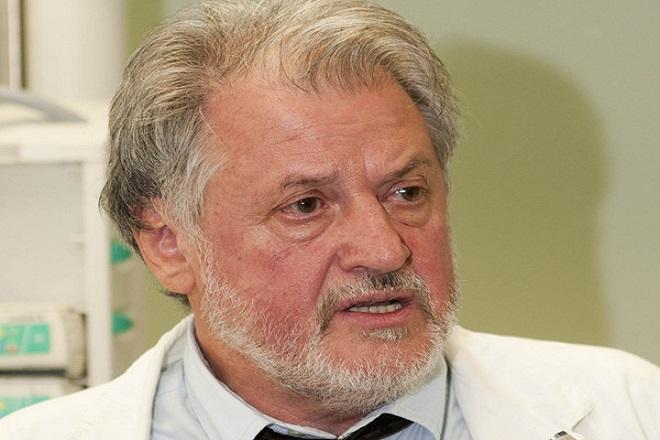 Καπράβελος: Ο εμβολιασμόςθα αποτρέψει το τέταρτο κύμα της Covid – Άφοβα η δεύτερη δόση με AstraZeneca