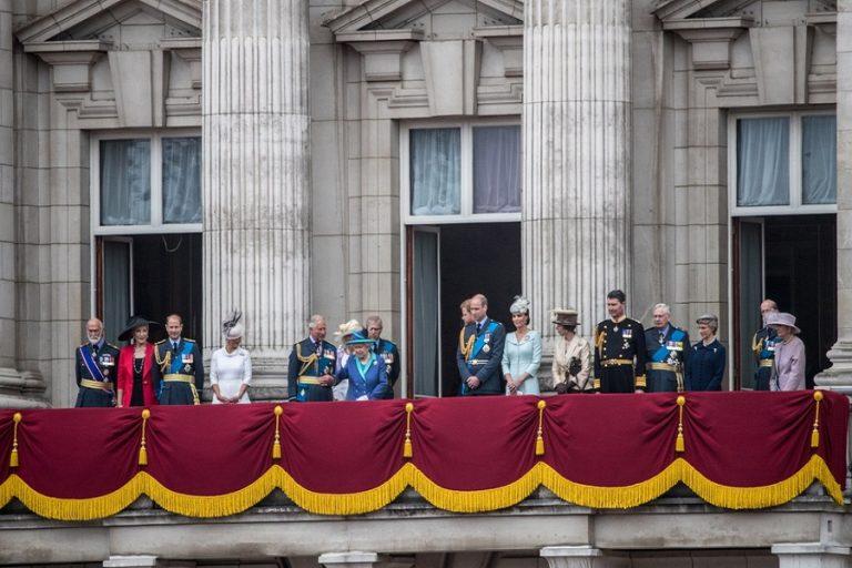 Δέκα αυστηροί κανόνες που πρέπει να ακολουθεί η βρετανική βασιλική οικογένεια
