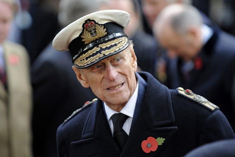 Πρίγκιπας Φίλιππος: Όλα όσα δεν ξέρατε για την απίστευτη ζωή του