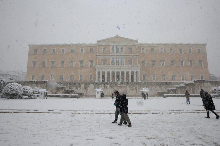 Απίστευτες εικόνες από το κέντρο της Αθήνας- Η πρωτεύουσα κάτω από το χιόνι