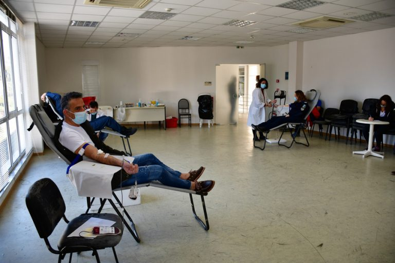 Δραματική έκκληση στον κόσμο να δώσει αίμα – Στερεύουν τα αποθέματα
